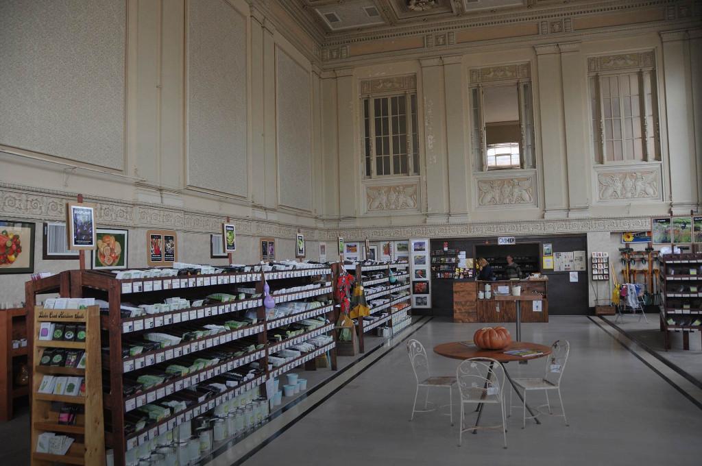Petaluma-Seed-Bank-Interior-C36_6544
